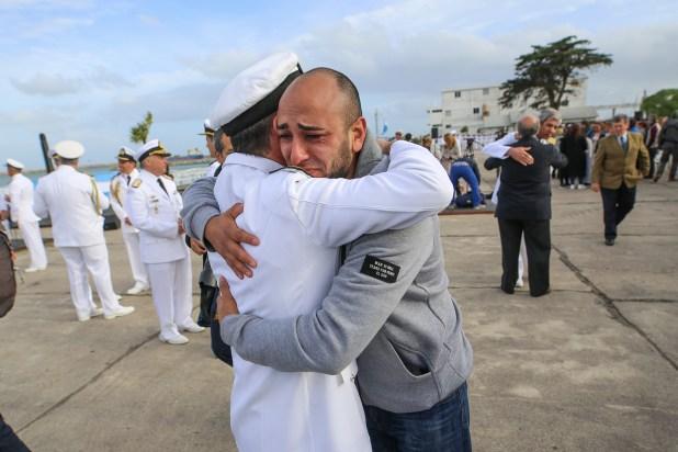 Familiares de los tripulantes del ARA San Juan durante el homenaje a un año de la desaparición del submarino (Christian Heit)