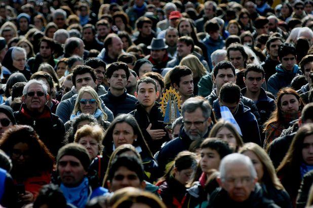 """""""Misa por la vida"""" celebrada en Luján contra la despenalización del aborto (Nicolás Sturlberg)"""
