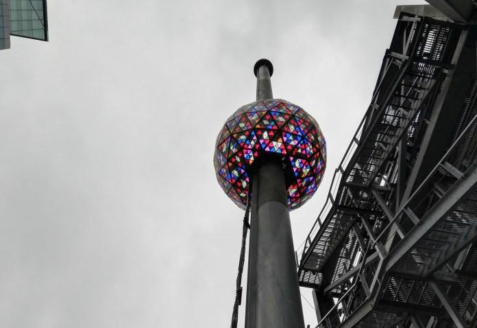 Times Square, Nueva York: instalaron una bola gigantescailuminada que marcará el inicio de 2019