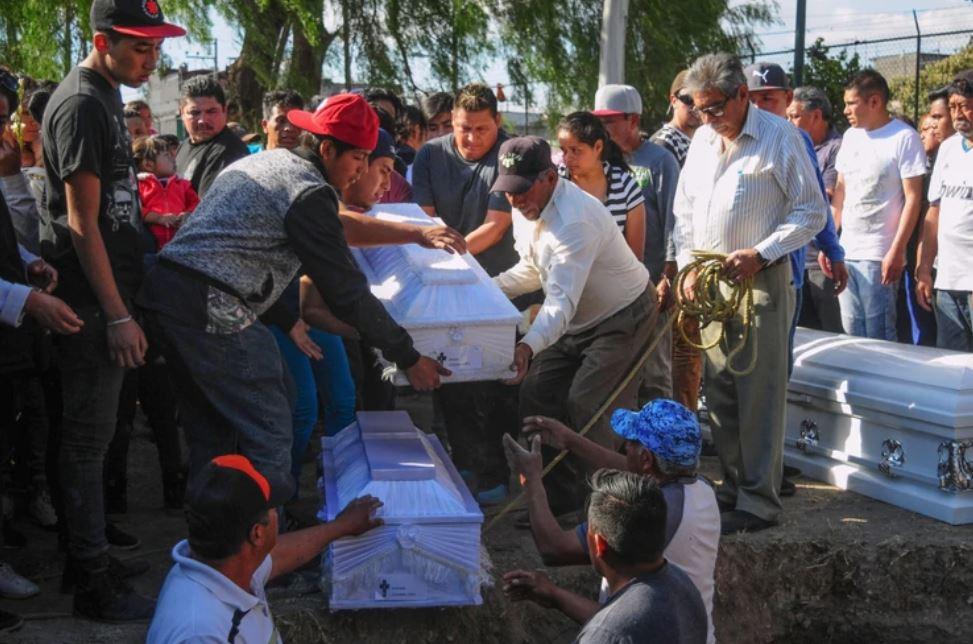 Los menores fueron sepultados el domingo (Foto: Cuartoscuro)