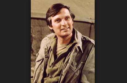 Hawkeye Pierce (M*A*S*H ), interpretado por Alan Alda
