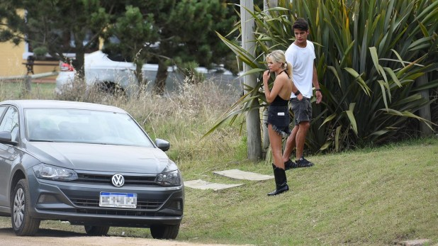 Valentina Zenere y su novio Marcos Di Pietri en Punta del Este