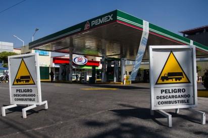 Algunas gasolineras en la Ciudad de México permanecen cerradas, con el argumento de que no les han surtido el combustible. (Foto: Cuartoscuro)
