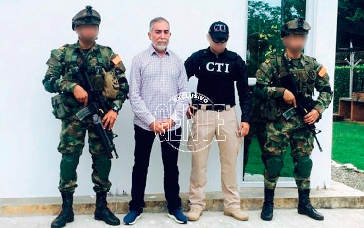 El colombiano José Bayron Piedrahita Ceballos fue detenido en Colombia, está bajo la lupa de la DEA -Administración para el control de Drogas- por corrupción en los Estados Unidos, y espera ser extraditado a ese país. La viuda de Escobar se lo presentó en su momento a Mateo Corvo Dolcet.