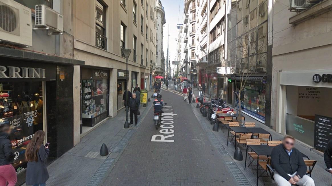 """En la calle Reconquista se aplicó el modelo """"de convivencia"""" entre autos y peatones"""
