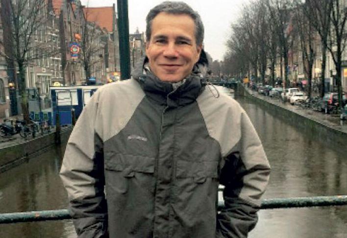 El fiscal, en una de sus últimas imágenes, en Ámsterdam, antes de viajar a la Argentina. Foto: Revista GENTE/Archivo Atlántida