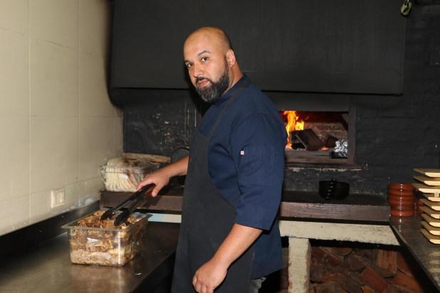 El chef venezolano Simon Rodríguez en plena acción (Fotos: Matías Souto)