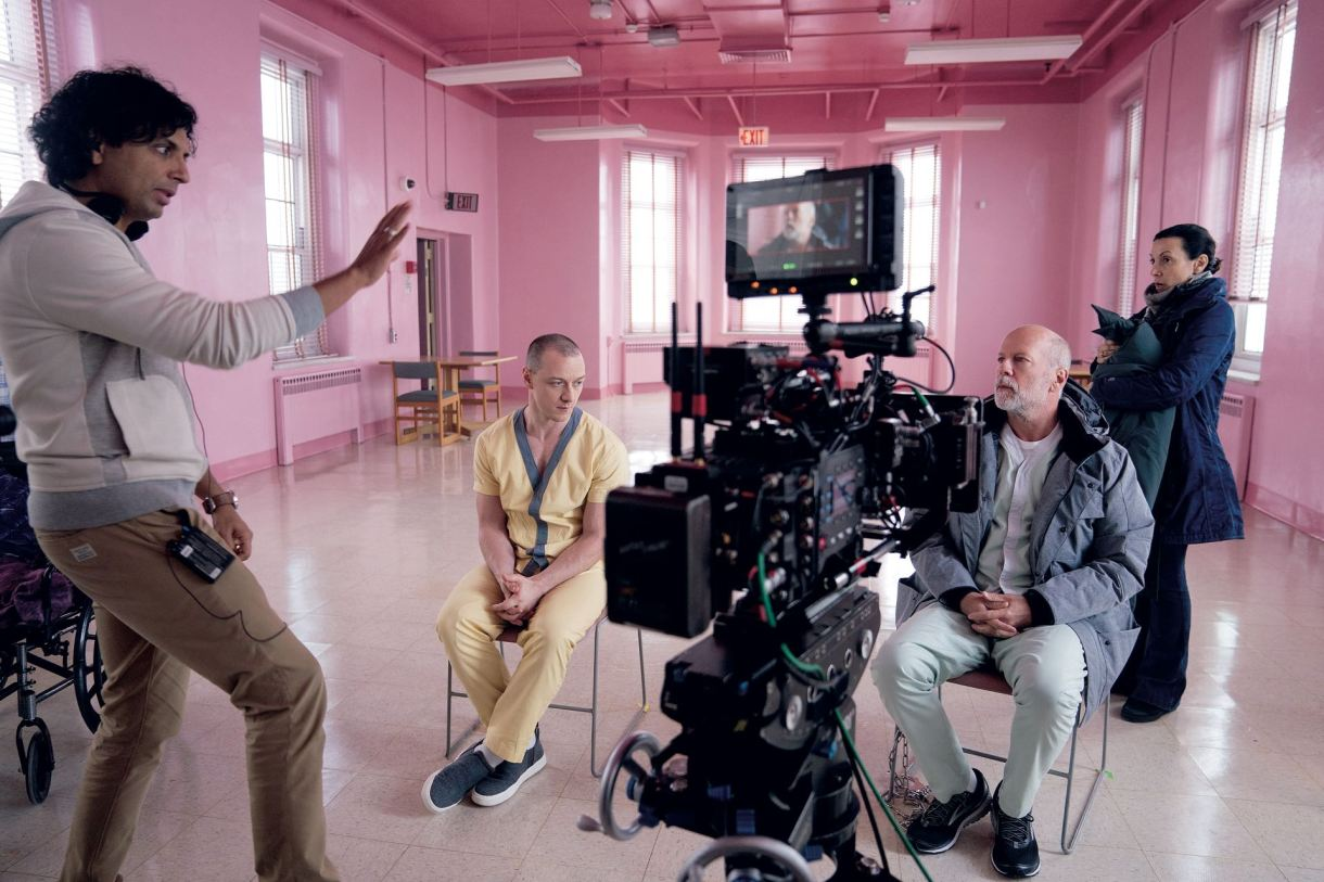 M. Nightjunto James McAvoy y Bruce Willis, durante el rodaje de Glass, su flamante largometraje de 132 minutos, en el que además participa Samuel Jackson.