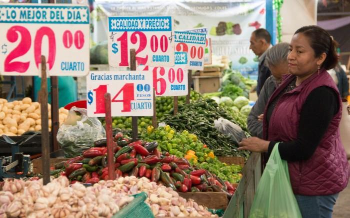 En México se destina una quinta parte del ingreso a la alimentación (Foto: Cuartoscuro)