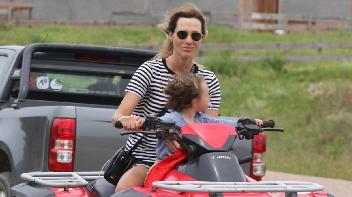 Lara Bernasconi con gafas de sol redondas (GM Press)