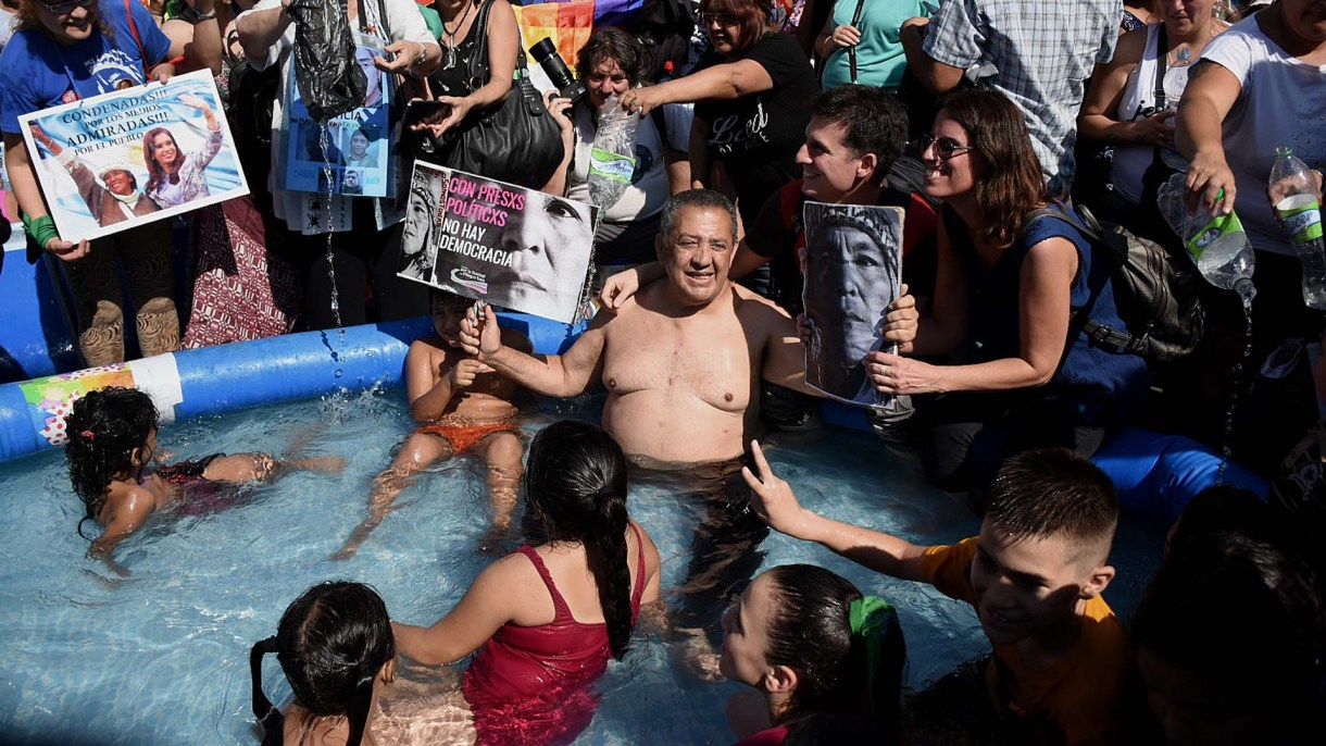 Luis D'Elía participó de la protesta (Fotos: Nicolás Stulberg y Thomás Kazki)
