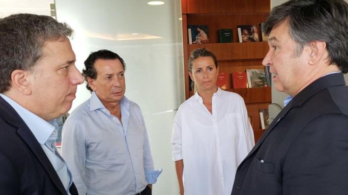 Pelegrina, en diálogo con Dujovne, Sica y Bircher, planteó la necesidad de que el Banco Nación otorgue beneficios a los clientes del banco que fueron afectados por las inundaciones.