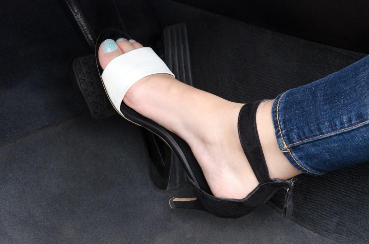 Mendoza prohíbe el uso de sandalias y ojotas, es decir, calzado no cerrado a la hora de conducir.