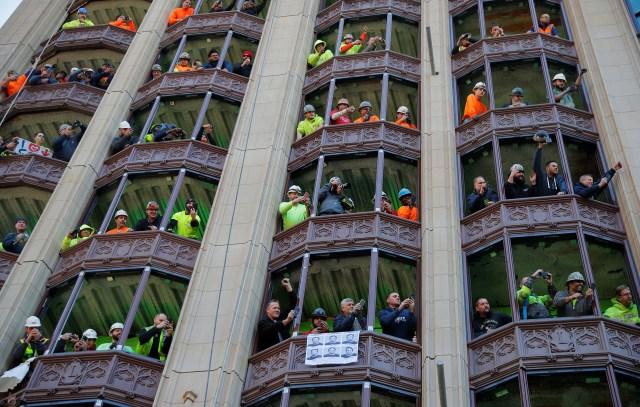 Los obreros también se sumaron a los festejos
