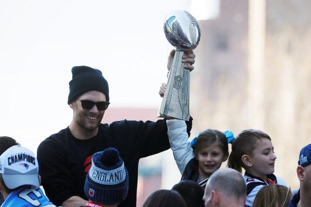 Tom Brady se convirtió en el jugador con más Super Bowls de la historia, con seis