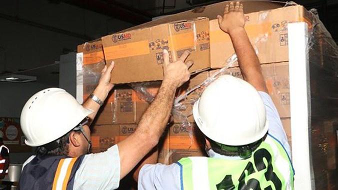 Las cajas con medicinas y alimentos enviadas por Estados Unidos (@USEmbassyBogota)