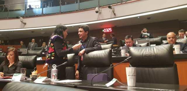 El activista pidió a los senadores mexicanos ayudar para el regreso de la democracia en Venezuela (Foto: especial)