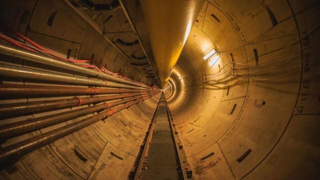 Interior del túnel emisario por el que se transportarán los efluentes cloacales