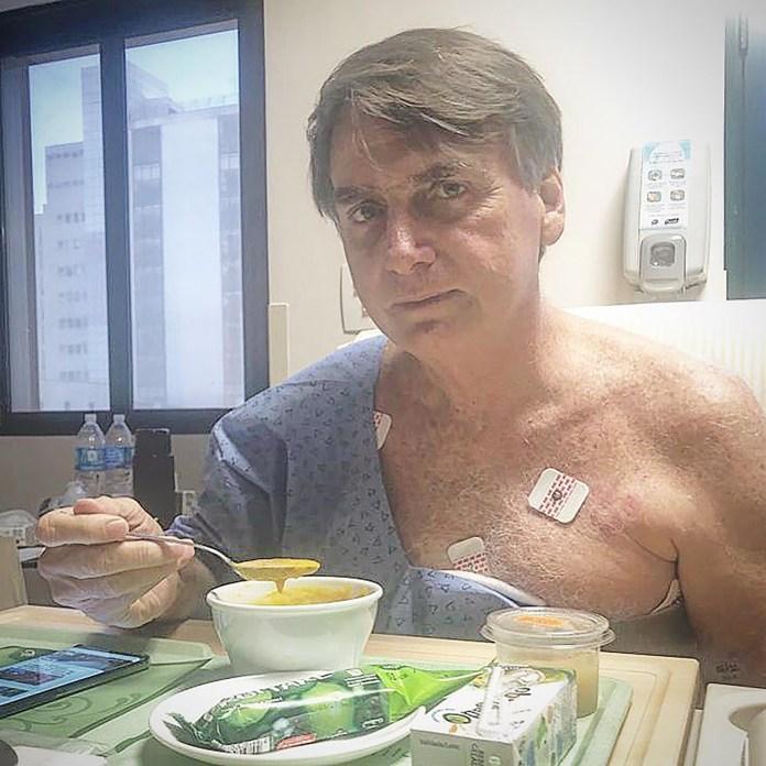 Bolsonaro estuvo 17 días internado tras una complicación posterior a la cirugía a la que se sometió para que le retiren la bolsa de colostomía (@jairmessiasbolsonaro)