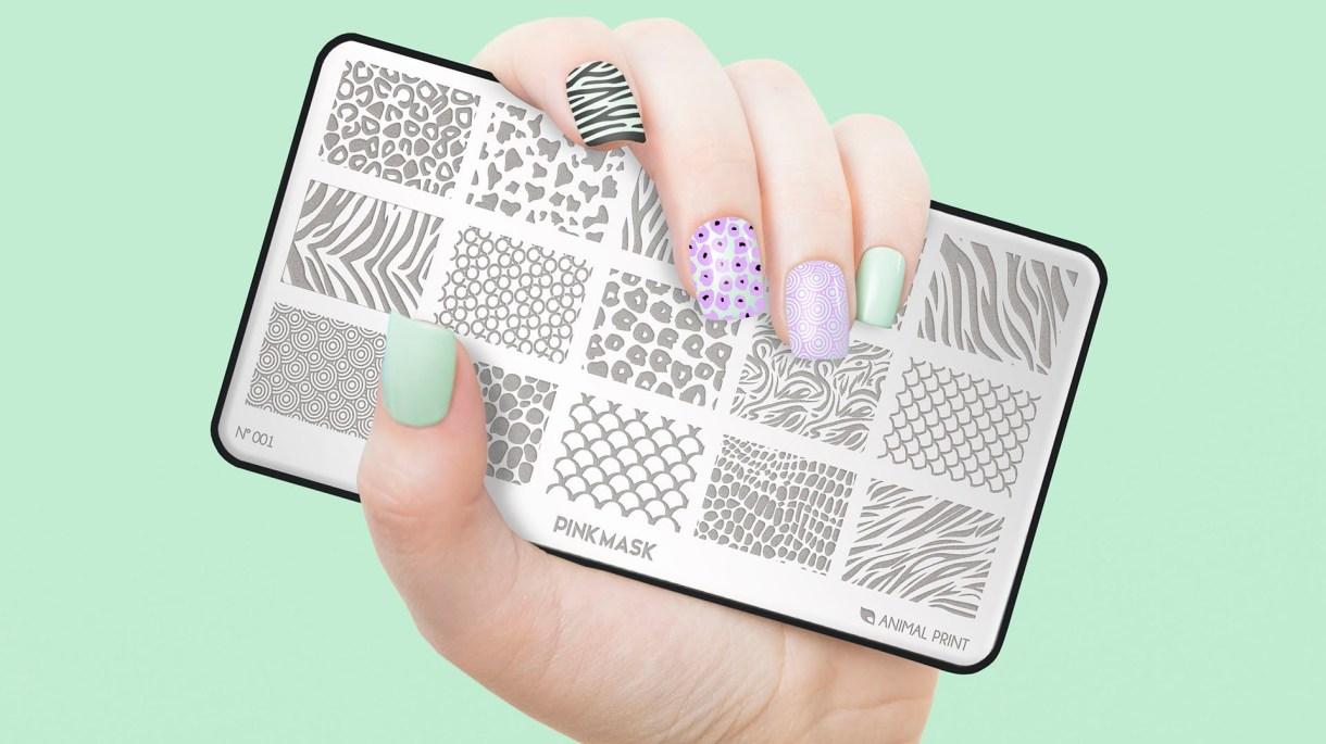 Nail art en uñas cortas- Para que el diseño luzca, lo importante es tener las uñas bien limpias, limadas, cortadas en forma