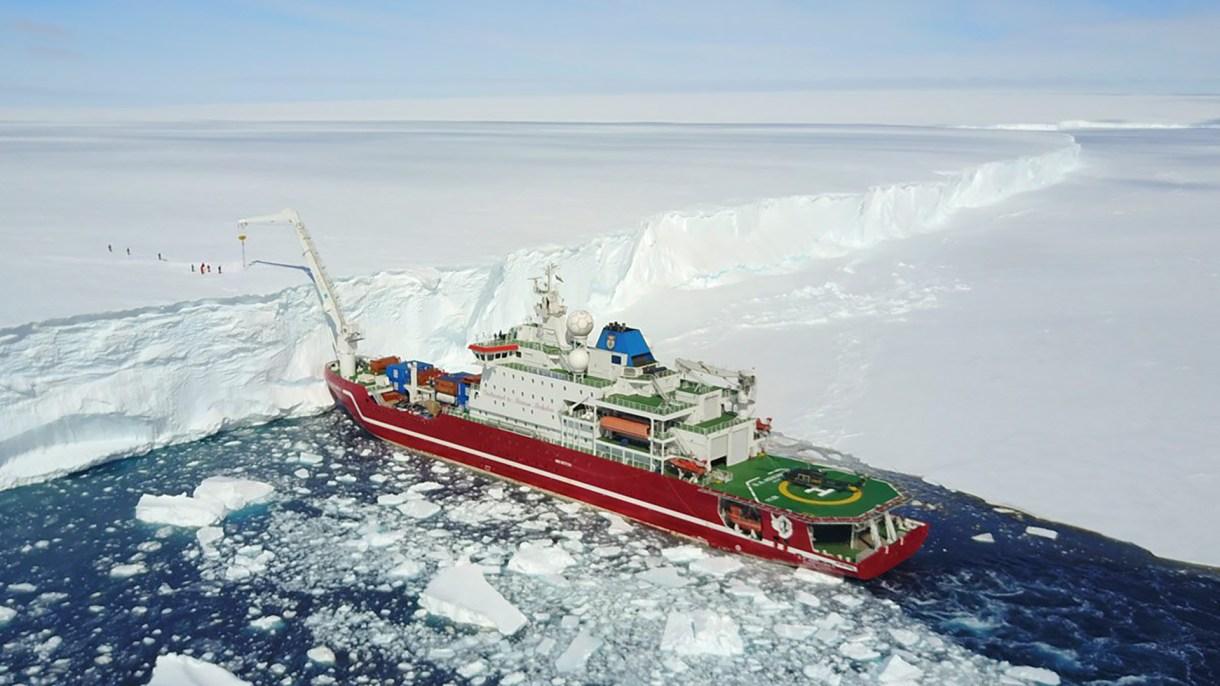 El rompehielos S. A. Agulhas II (Scott Polar Research Institute)