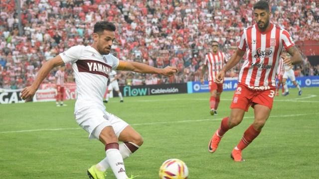 Lautaro Acosta vuelve a la titularidad en Lanús. (@CASMOficial)