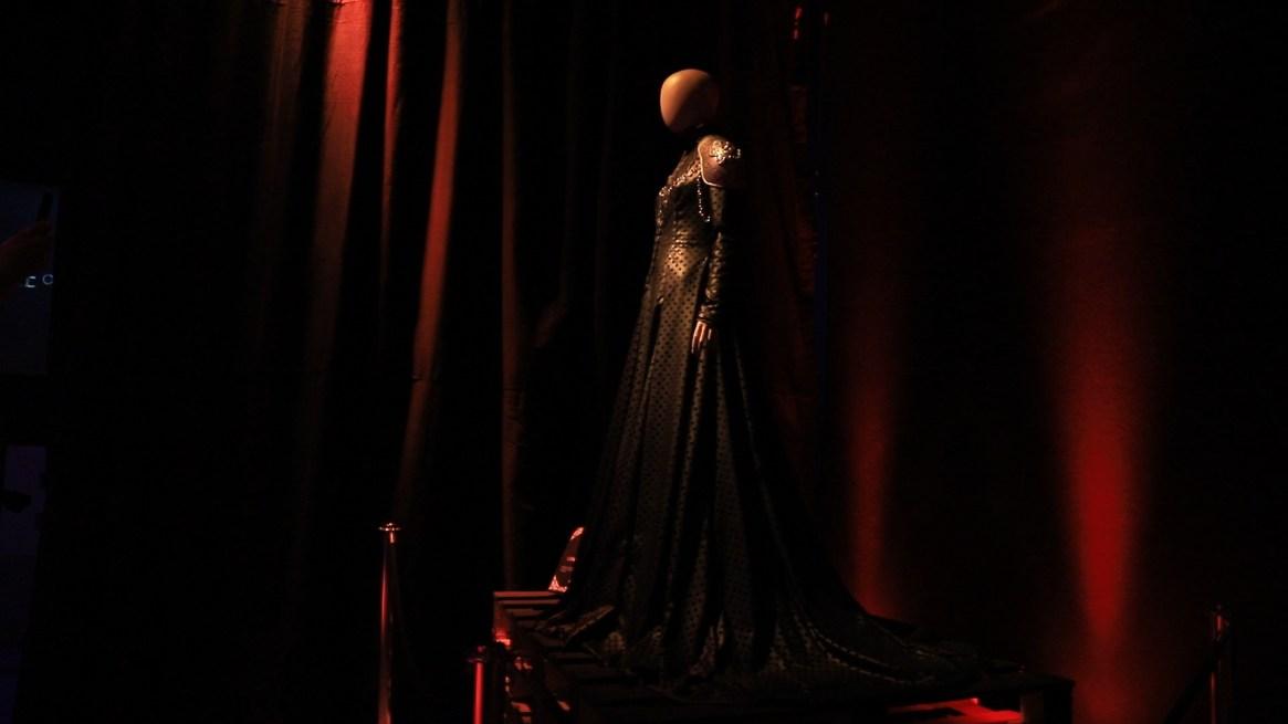 El traje de Cercei Lannister, en color negro por el luto y con detalles en acero para transmitir fuerza interior