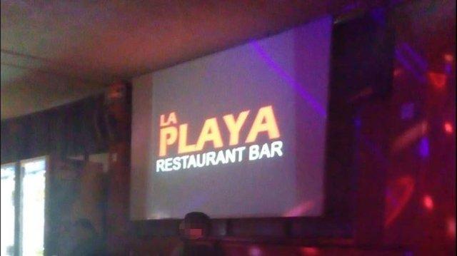 """Los atacantes robaron a los clientes del """"Bar la Playa"""" antes de disparar. (Foto: Especial)"""