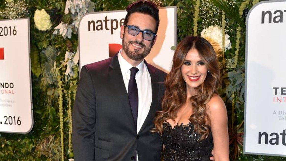 Miguel Varoni con su esposa, la reconocida actriz colombianaCatherine Siachoque.