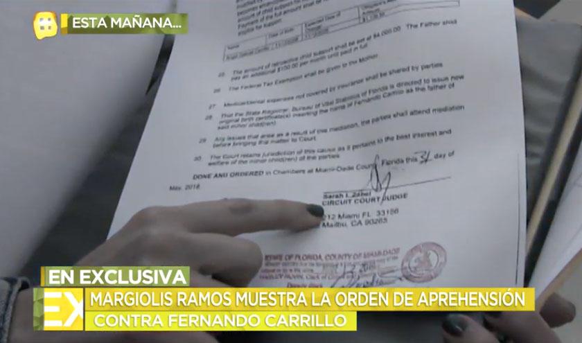Margiolis mostró ante las cámaras la orden de aprehensión firmada por una juez (Foto: TV Azteca/Ventaneando)