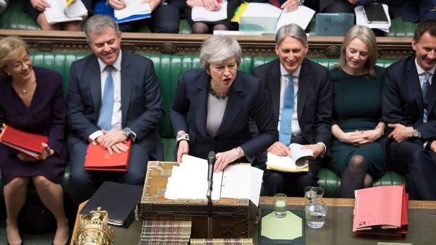 La premier Theresa May, ante el Parlamento británico (AFP)