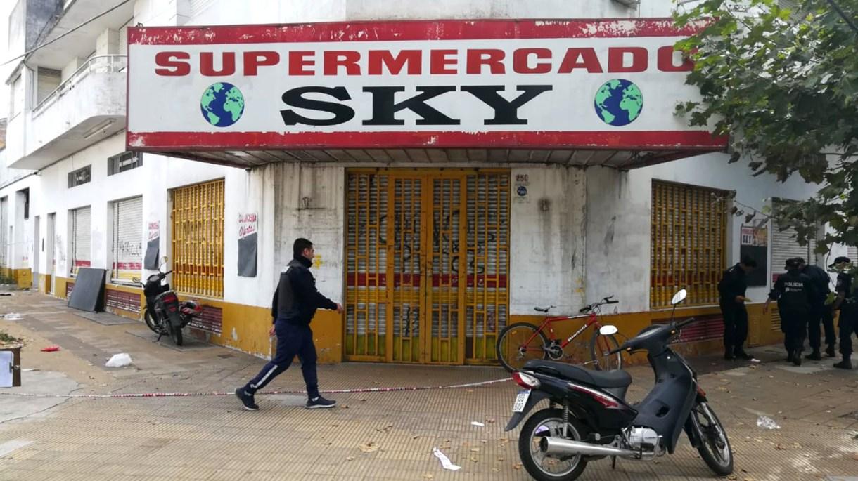 El supermercado Sky, donde ocurrió el hecho.