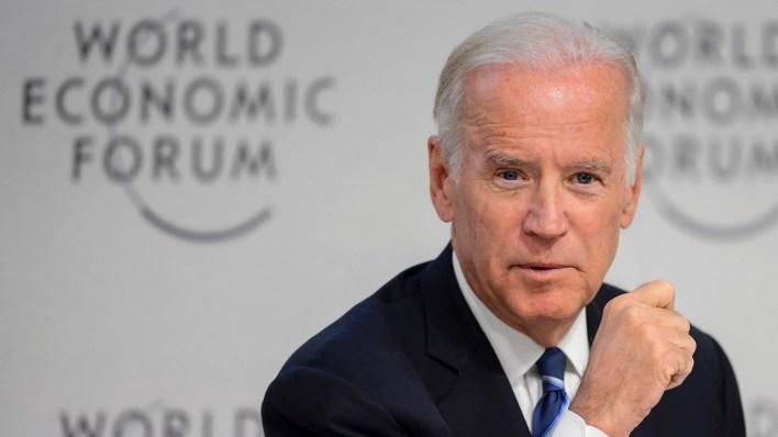 La imagen de Biden, uno de los favoritos en la interna demócrata, quedó afectada por las denuncias de tratamientos indebidos con mujeres (AFP)