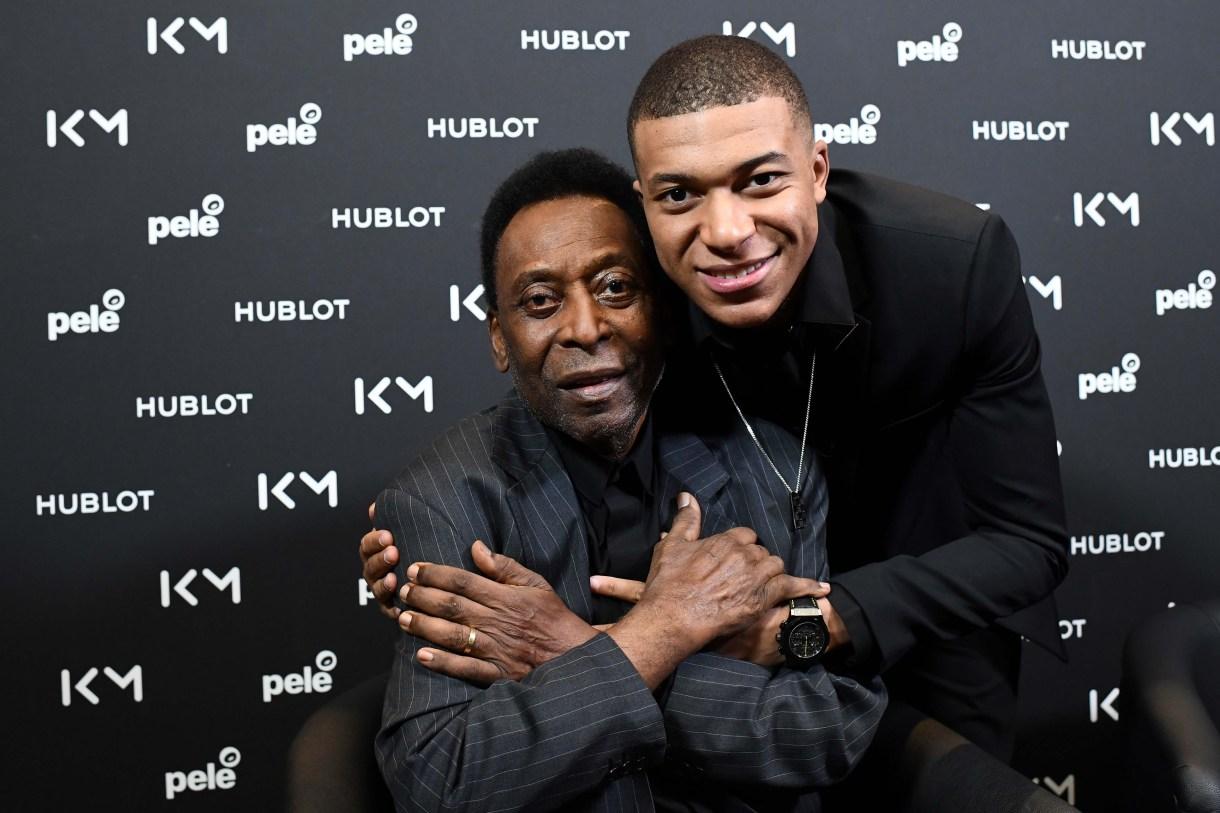 Pelé había sido internado tras un evento junto a Kylian Mbappé (AFP)
