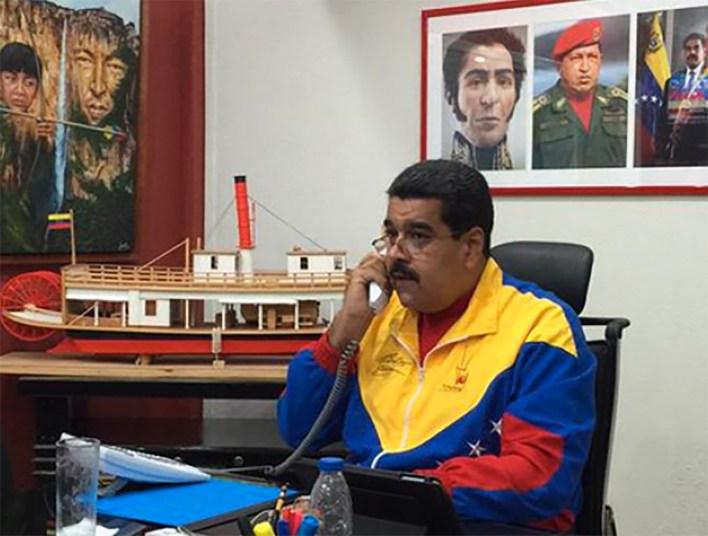 Desde los apagones, Maduro graba sus anuncios desde su nueva oficina (Twitter: @ConElMazoDando)