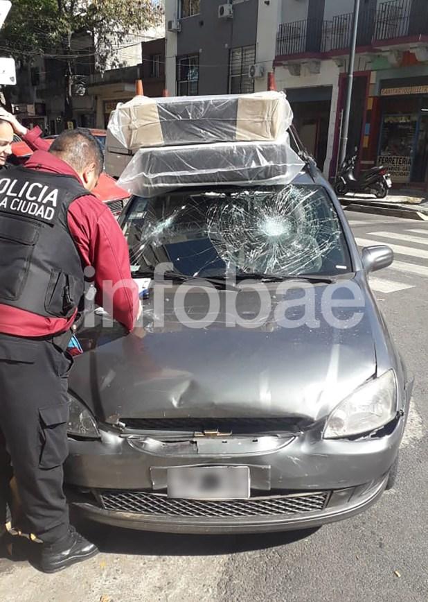 Así quedó el vehículo de Fabio Rojas, el conductor del Chevrolet Corsa que se peleó con el taxista
