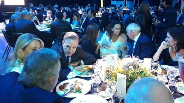 El senadorMiguel Pichetto junto a la vicepresidente Gabriela Michetti y Roberto Lavagna