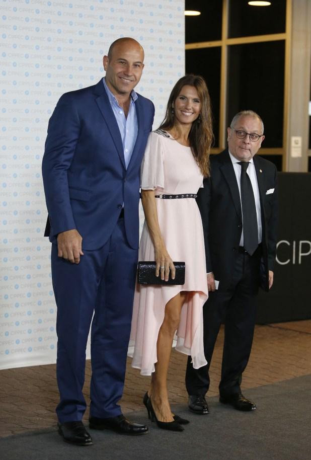El intendente de Quilmes, Martiniano Molina, y su esposa Ileana Luetic, junto al canciller Jorge Faurie