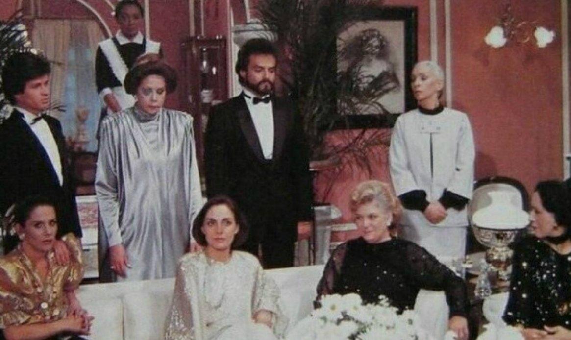 """Cuna de Lobos"" se transmitió entre 1986 y 1987 (Twitter Diana Bracho)"