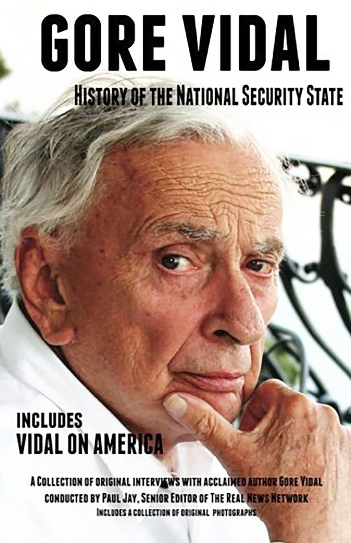 """La portada de """"Historia del Estado de Seguridad Nacional"""" por Gore Vidal."""