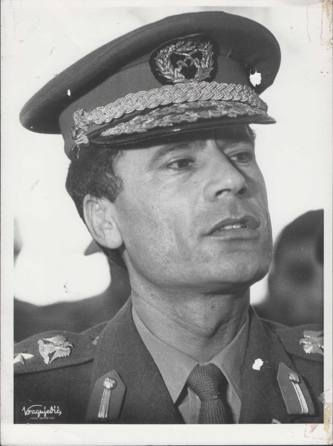 Muammar Gaddafi, poco después del golpe de Estado que lo puso al mando de Libia en 1969 (Stevan Kragujević)