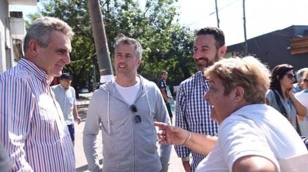 El concejal junto a Agustín Rossi y Leandro Busatto (@robertosukerman)