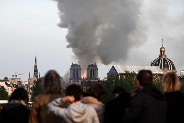 Tristeza y desazón en Francia(Photo by Philippe LOPEZ / AFP)