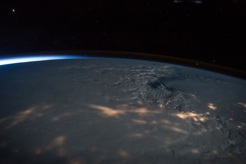 Una tormenta de nieve en la costa este de Estados Unidos  (Scott Kelly/NASA via The New York Times)