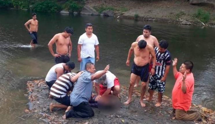 Durante un bautizo en un río en Veracruz murió una niña (Foto: ADN40)
