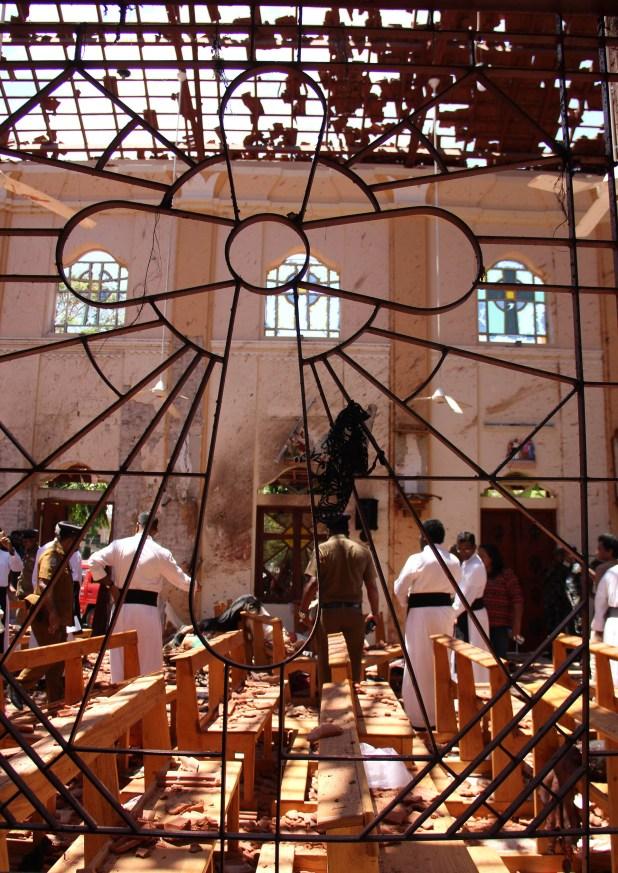 Dos de las iglesias atacadas eran católicas, la tercera, evangelista (AFP)