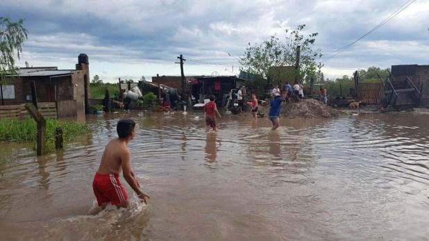 Cerca de 400 familias tuvieron que dejar sus hogares en Resistencia (Cruz Roja Argentina)