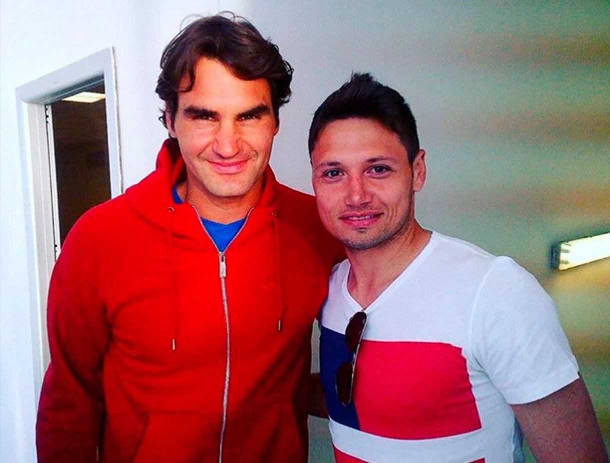Mauro Zárate y su foto con el tenista suizo Roger Federer