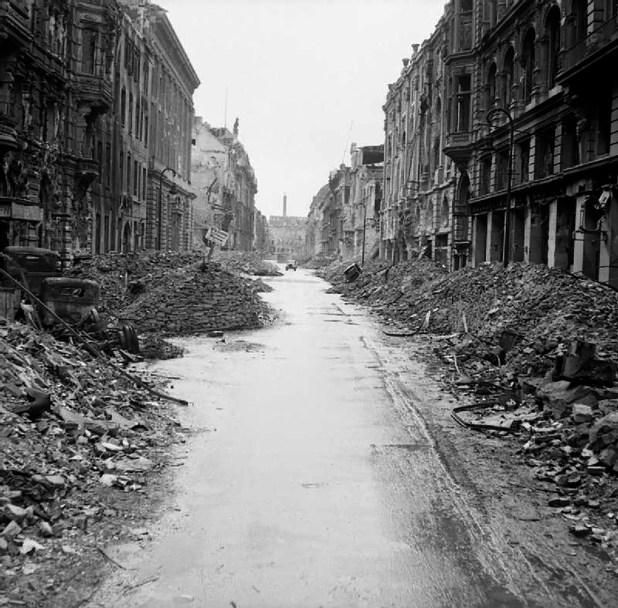 Berlín estaba en ruinas al final de la guerra (Dominio público)