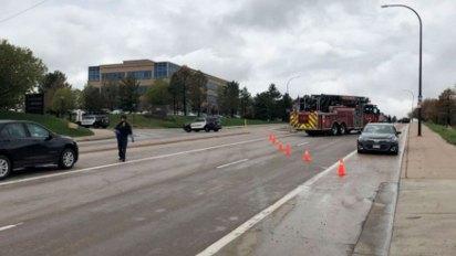 Bomberos, policías y ambulancias acudieron a la escuela en las afueras de Denver